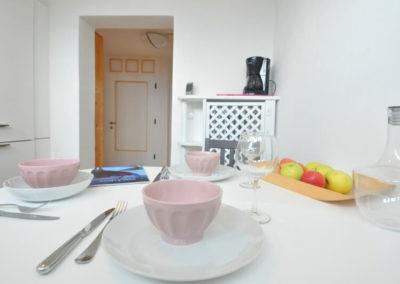 Melanies Guesthouse, Südtirol - Esstisch Küche