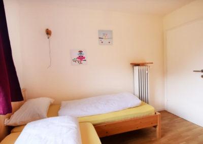 Ferienwohnung - Kaltern - Schlafzimmer mit 2 Einzelbetten